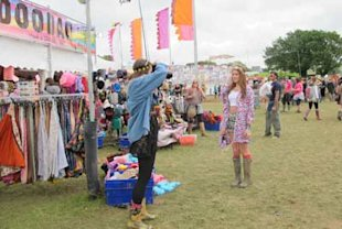Beauty Hunter: Revlon and Grazia Team Beauty Hit the Isle of Wight Festival