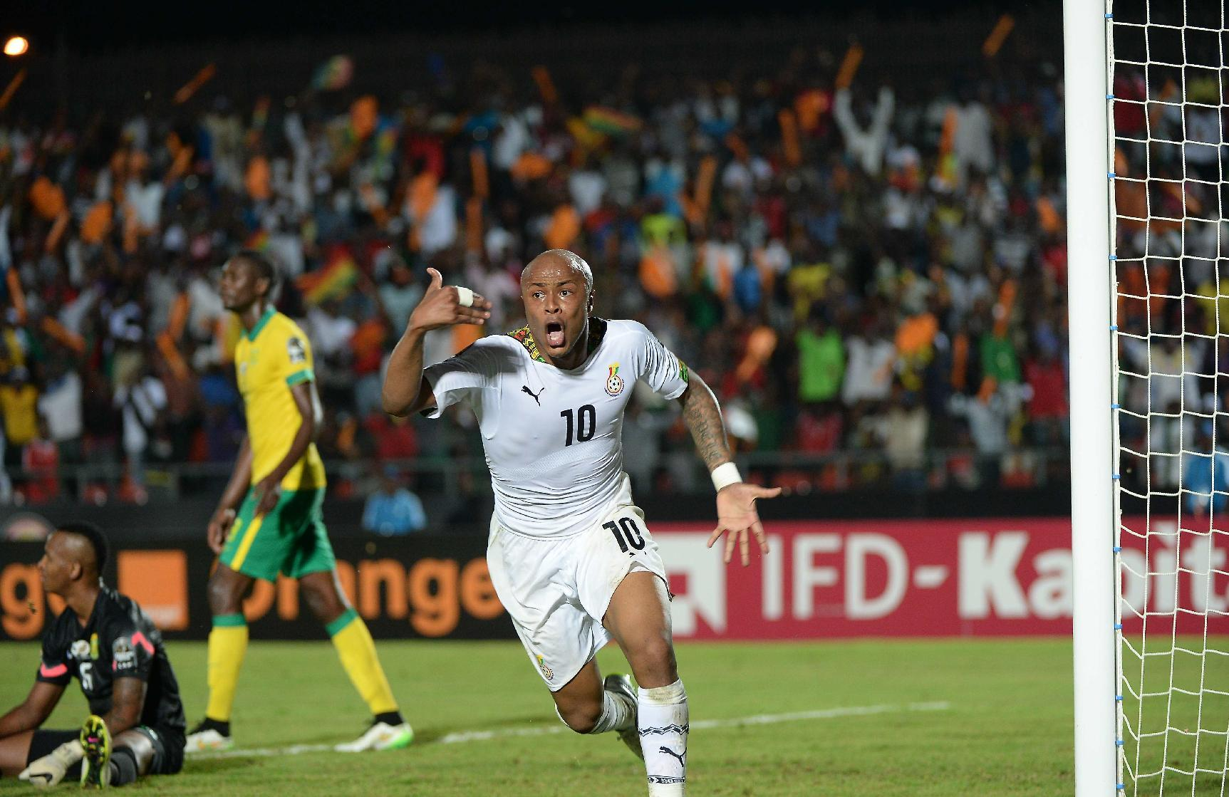 Ghana and Algeria keep title dream alive
