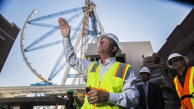 Largest Ferris wheel nears completion in Las Vegas