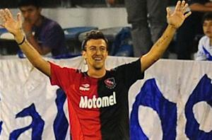 Toronto FC signs Newell's Old Boys striker Urruti