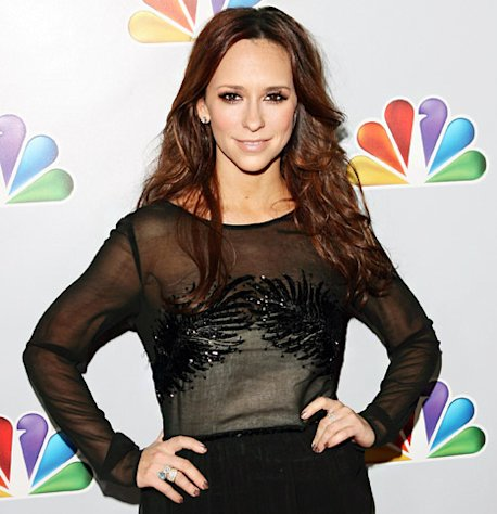 Jennifer Love Hewitt Considers Freezing Her Eggs at Age 34