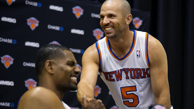New York Knicks' Jason Kidd (5) shakes hands with Kurt Thomas during their NBA basketball media day at the team's training facility in Greenburgh, N.Y., Monday, Oct. 1, 2012. (AP Photo/Craig Ruttle)