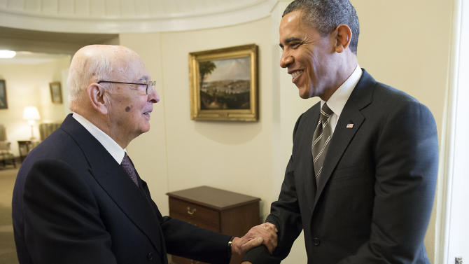 In this photo provided by the Italian Presidency press office, President Barack Obama shakes hands with Italian President Giorgio Napolitano during their meeting in the Oval Office of the White House, in Washington, Friday, Feb. 15, 2013. (AP Photo/Paolo Giandotti, Italian Presidency Press Office, ho)