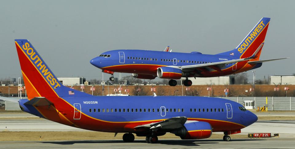 Southwest says computer glitch caused ticket woes