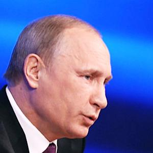 Vladimir Putin likens Crimea takeover to bear guarding his territory