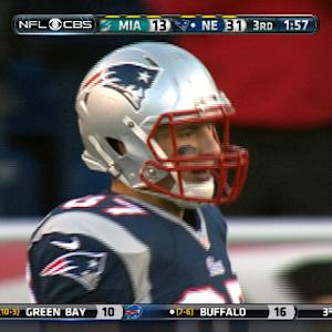Rob Gronkowski catches 35-yard pass vs. Dolphins
