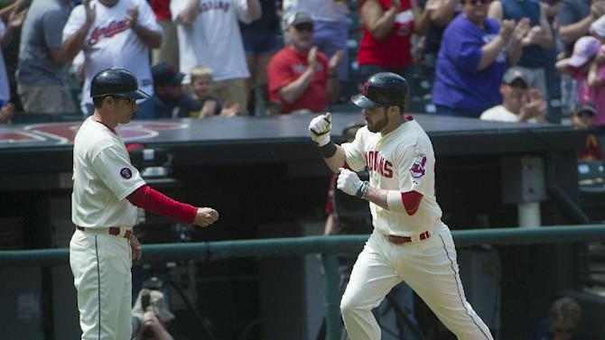 Raburn, Kipnis spark Indians over Blue Jays 10-7