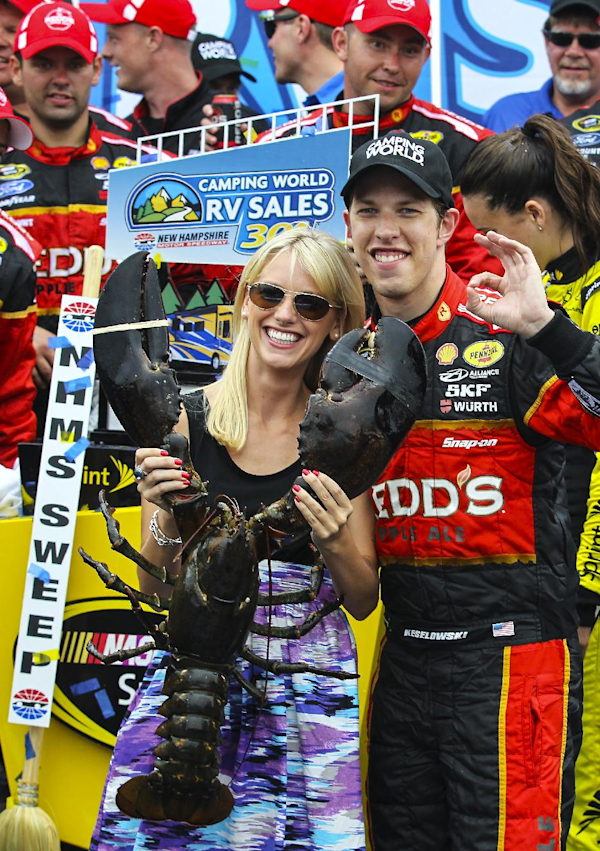 Keselowski dominates in New Hampshire victory | View photo - Yahoo