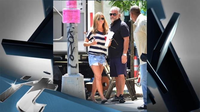 Jennifer Aniston News Pop: Jennifer Aniston Steps Out in Wedges With Broken Toe