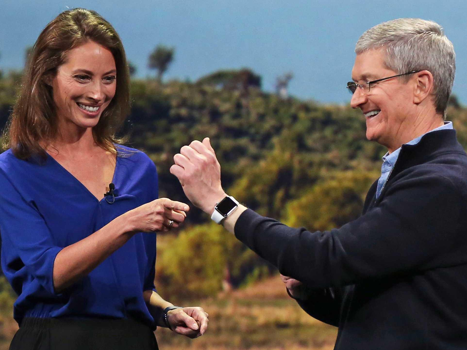 The feds say they'll keep their hands off the Apple Watch (for now)