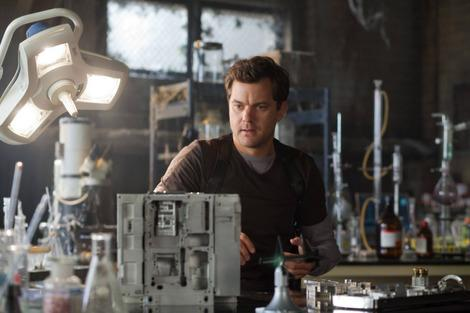 'Fringe' episode 'An Origin Story' recap: The ant escapes the ant farm