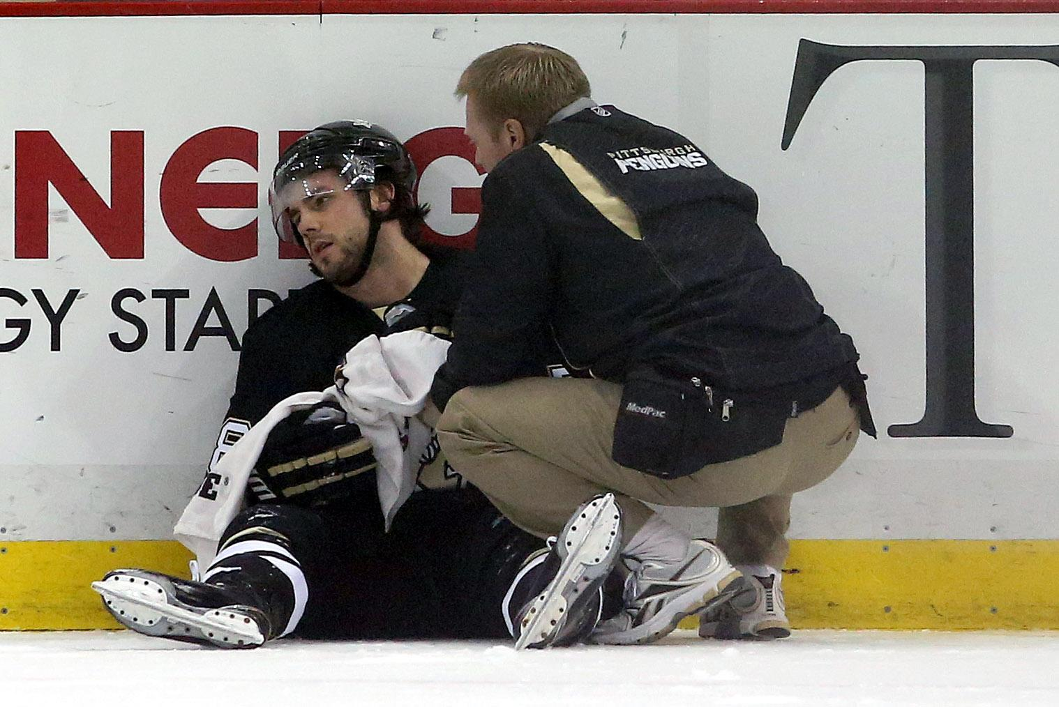 Kris Letang taken to hospital after Shane Doan hit (Video)
