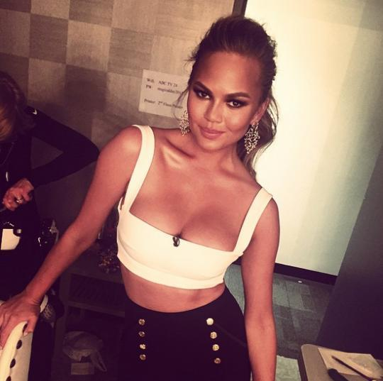See Chrissy Teigen Flawlessly Shut Down a Racist on Twitter