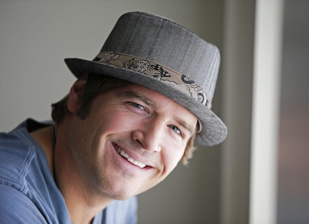 FILE - This Aug. 13, 2012 file photo shows country music singer Jerrod Niemann in Nashville, Tenn. Niemann&#39;s &quot;Free The Music,&quot; released on Oct. 2, 2012, is another re-imagining of what the modern country music album can be. (AP Photo/Mark Humphrey, File)