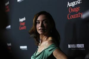 """Nicholson poses at the premiere of """"August: Osage County"""" in Los Angeles"""