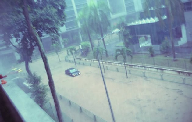 Flash floods strike Singapore, mainly in Western parts. (Twitter photo)