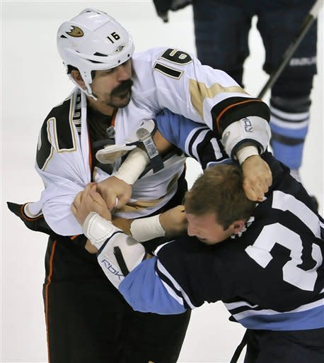 Selanne, Hiller lead Ducks past Panthers, 2-0