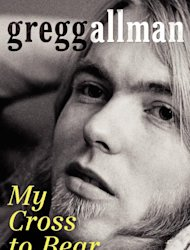 "Gregg Allman en la portada de sus memorias ""My Cross to Bear"" en una imagen proporcionada por William Morrow. (Foto AP/ William Morrow)"