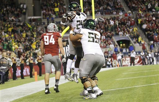 No. 2 Ducks shake Wazzu in 2nd half for 51-26 win