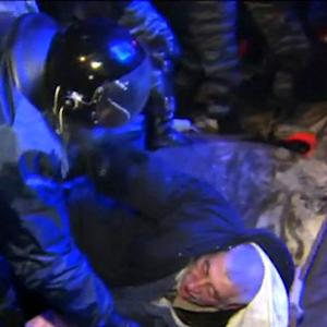 Police clash with anti-government protestors in Ukraine