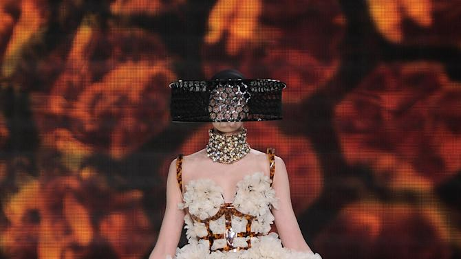 Alexander McQueen - Runway RTW - Spring 2013 - Paris Fashion Week