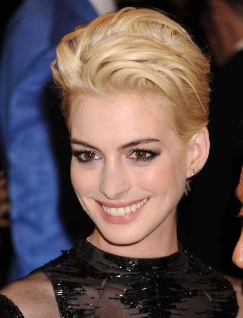 Anne Hathaway MET 5 6 '13 Close-Up -- FilmMagic