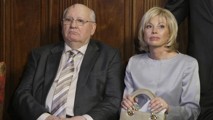 "Mikhail Gorbachev and his daughter Irina attend a ceremony of annoucement of nominees of Mikhail Gorbachev's unique award ""The Man, who changed the World"" in the residence of the United Kingdom Ambassador in Moscow, Thursday, March 10, 2011. (AP Photo/Mikhail Japaridze)"