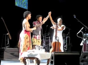R&B artist India.Arie helps this lovely couple get engaged at her concert.