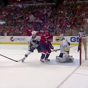 Backstrom sets up Laich for PPG in front
