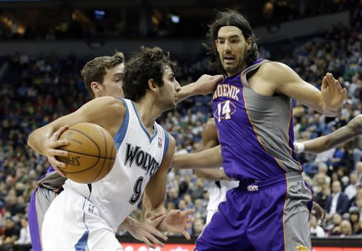 Rubio leads Timberwolves over Suns, 105-93