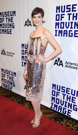 Anne Hathaway, Museum of the Moving Image, Pixie, Pink Dress, Sequins