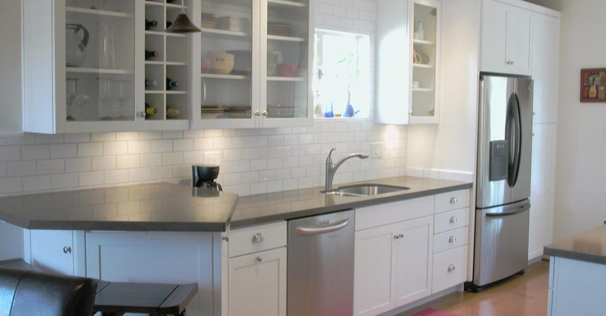 24 Kitchens with Glass Cabinets
