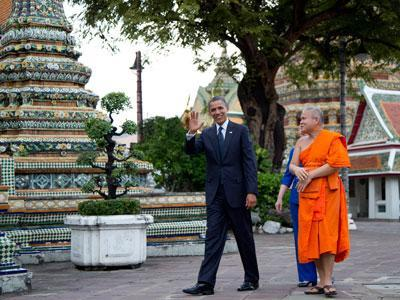Raw: Obama arrives in Thailand