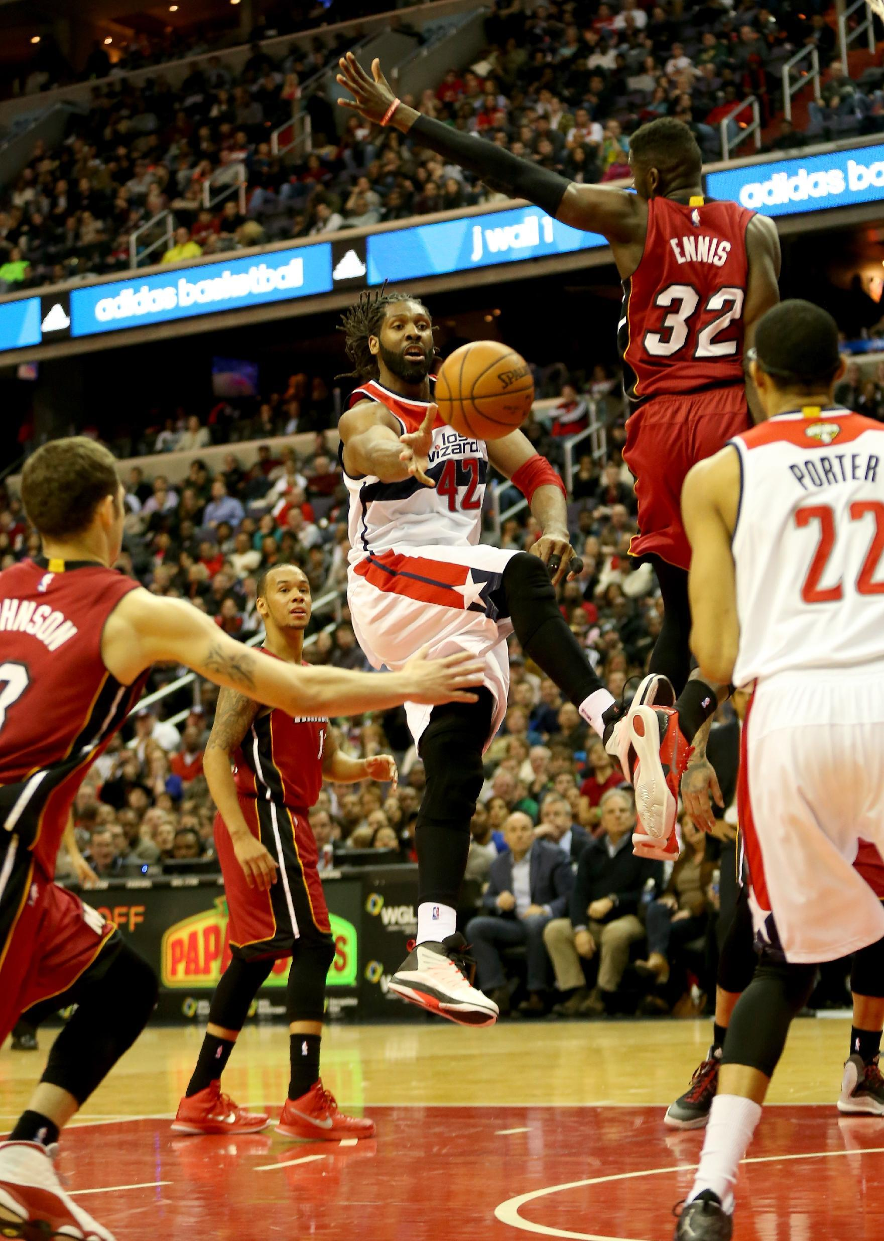 Wizards hold off Heat rally in 99-97 victory