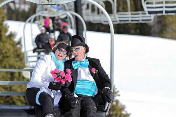 أغرب احتفالات عيد الحب في 2011 3-JPG_160015