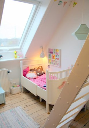 Isn't' this room about the sweetest? And that ladder is divine!