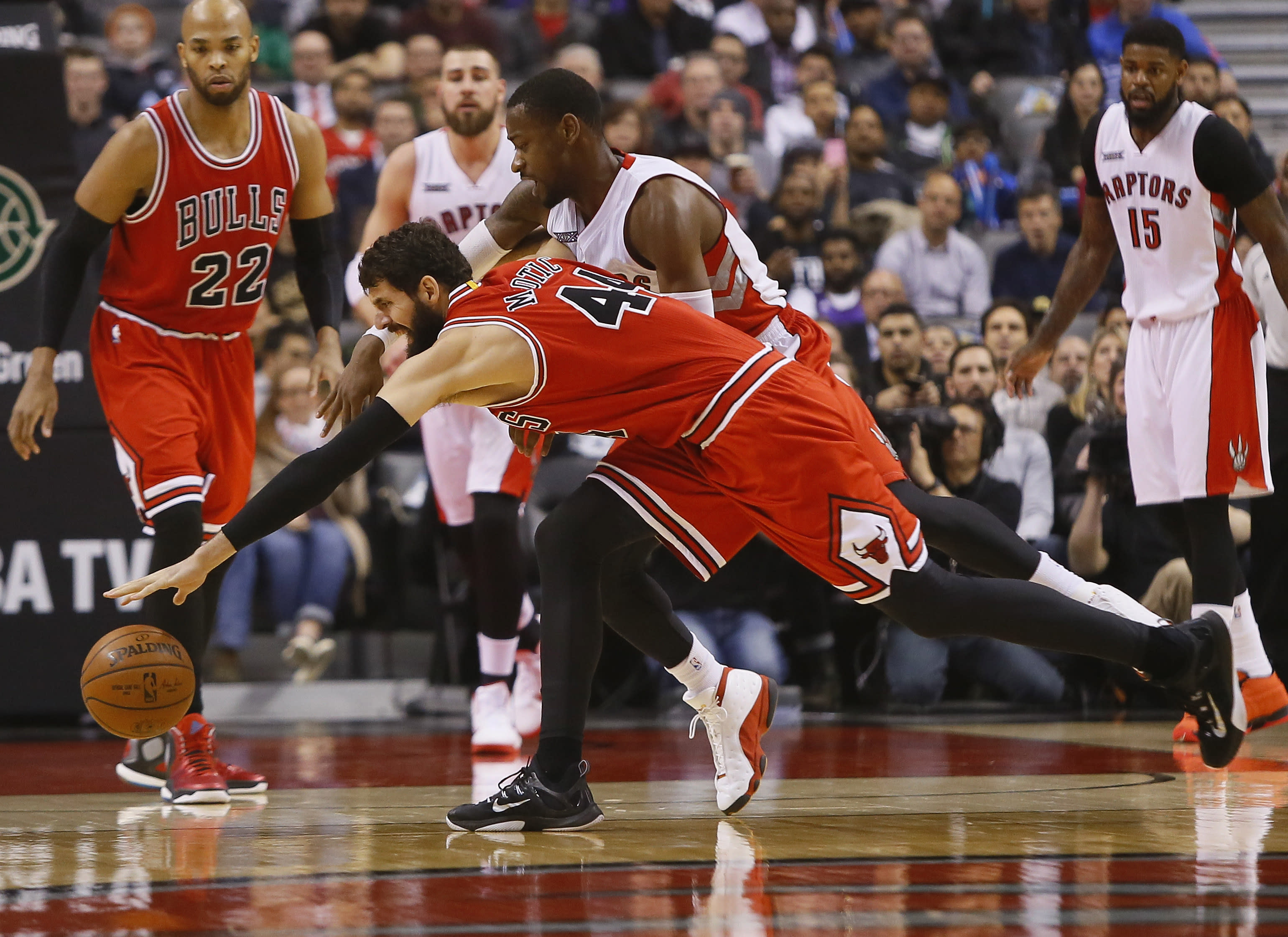 NBA Playoff Picture Update: Bulls run roughshod over Raptors, take control of East's 3 spot