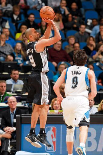 Green shoots Spurs past Timberwolves 104-94
