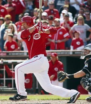 Reds rallly in ninth to beat Marlins