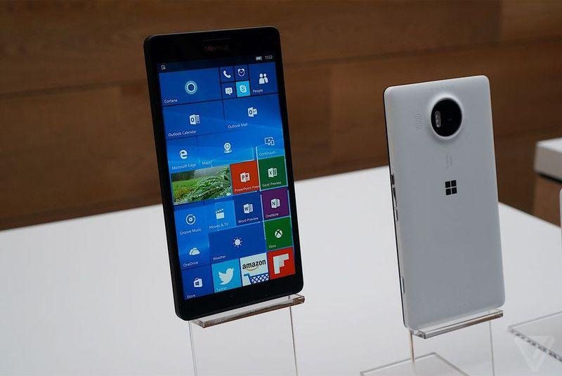 Microsoft bets on AT&T with latest Lumia, will also sell both new phones unlocked