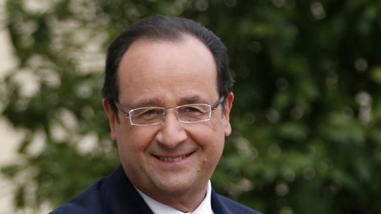 France's Hollande on Japan visit to push nuke ties