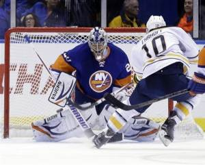 Miller makes 41 saves in Sabres' win over Isles