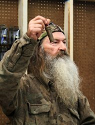 Duck Dynasty' patriarch Phil Robertson off show indefinitely after