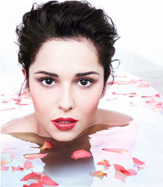 Cheryl Cole Is A Classic English Rose In Petal Bath Tub In