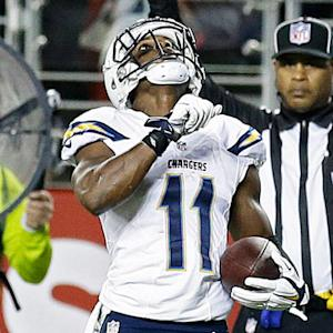 San Diego Chargers wide receiver Eddie Royal dives for a 15-yard TD grab