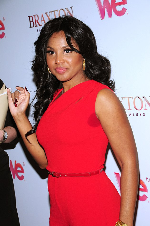 ... toni-braxton-wardrobe-malfunction-sweat-patch-braxton-family-values