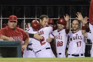 Pujols, Weaver star in Angels' 4-1 win over A's