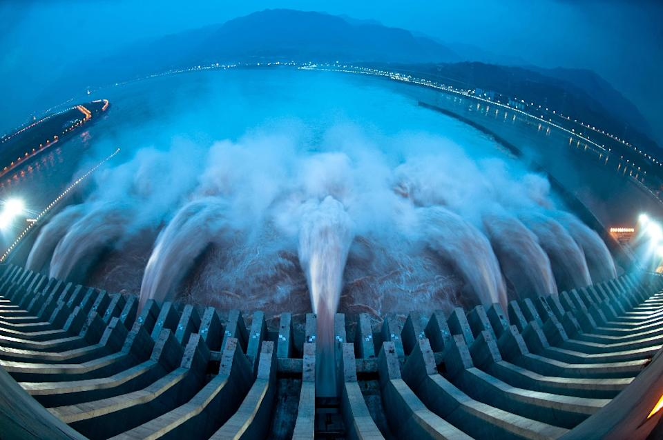 hydropower Various advantages of hydropower cheap source of energy although the upfront costs of constructing and installing a hydropower plant are high, once it's functional, the costs relating to operation and maintenance become extremely low.