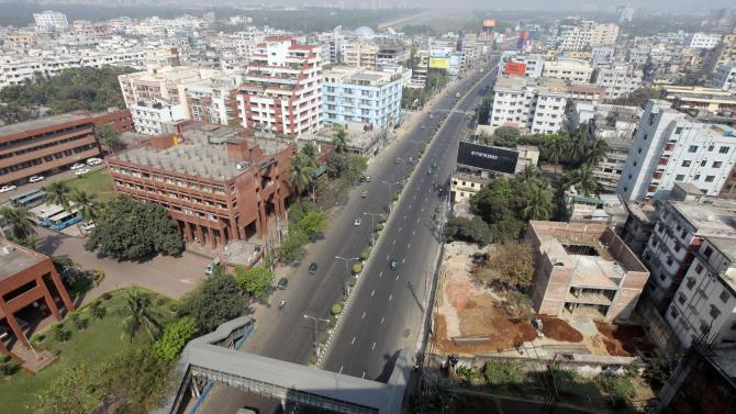 A general view of Farmgate, one of the capital's busiest area, during a nationwide strike called by Bangladesh's largest Islamic party, Jamaat-e-Islami, in Dhaka, Bangladesh, Sunday, March 3, 2013. Authorities deployed soldiers in a northern Bangladeshi district on Sunday after Islamic party activists clashed with police, leaving five people dead during a nationwide general strike called to denounce war crimes trials. (AP Photo/A.M. Ahad)