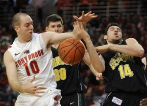 Vermont beats Stony Brook for America East title